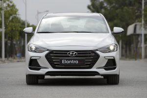 So sánh Hyundai Elantra Sport và Kia Cerato – bạn sẽ chọn chiếc xe nào